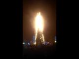 В Южно-Сахалинске сгорела ёлка (часть 1)