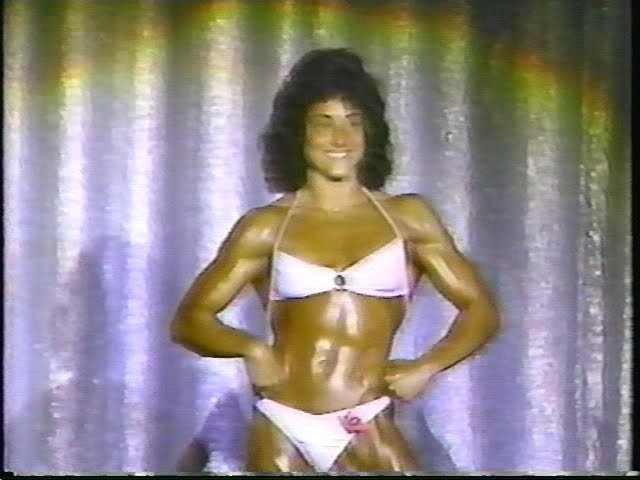 Laura Combes (1980)
