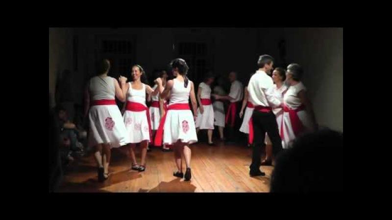 Chapelloise a 3 - Nível I - Danças da Europa do CFC do Contagiarte