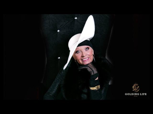Супер-кинозвезда и актриса Светлана СВЕТЛИЧНАЯ на fashion - фотосессии демонстрирует часы GOLDING LIFE!