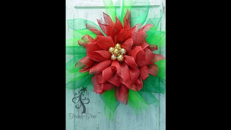 Poinsettia Wreath Tutorial by Trendy Tree