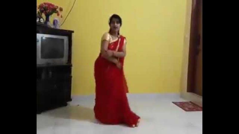 Indian Bhabhi hi dance