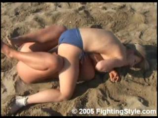 Maja vs gaja - topless - beach