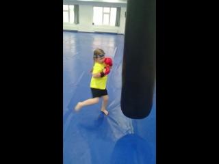 Лиза-БАЗУКА тренит Утреняя пробежка #taekwondowtf #инстаграмсургут #instagramsurgut#тренемтренем#Тайскийбокссургут #сургуттайски