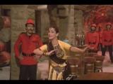 красивая песня и танец актрисы - нилам и говинды из индийского фильма по зову долга