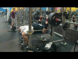 Джеймс Стрикланд - жим лежа 227 кг на 8
