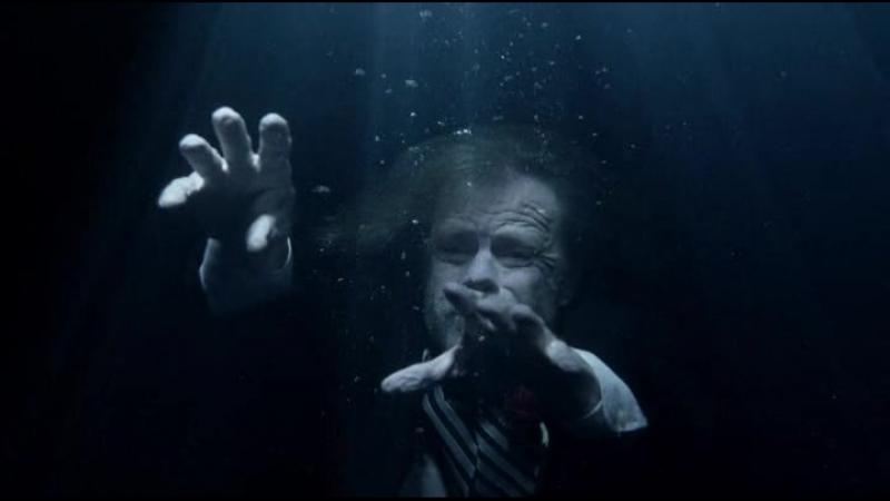 Shameless | Бесстыдники [7х01] Фрэнк под водой
