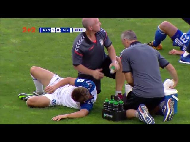 Як Піварич ціною травми завадив гравцю Сталі нанести удар по воротах