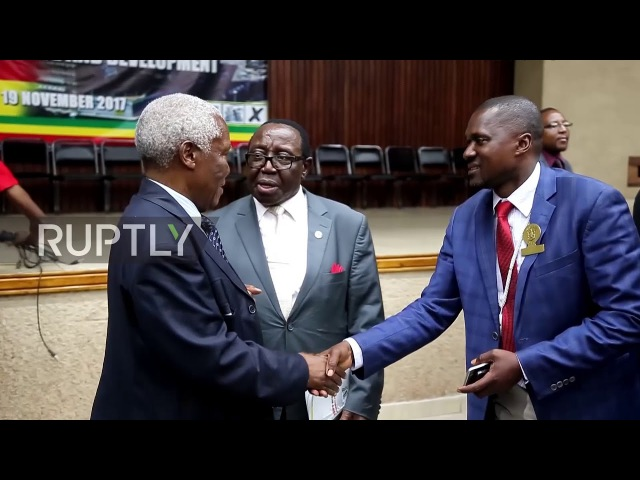 Zimbabwe: 230 parliament members vote to impeach Mugabe