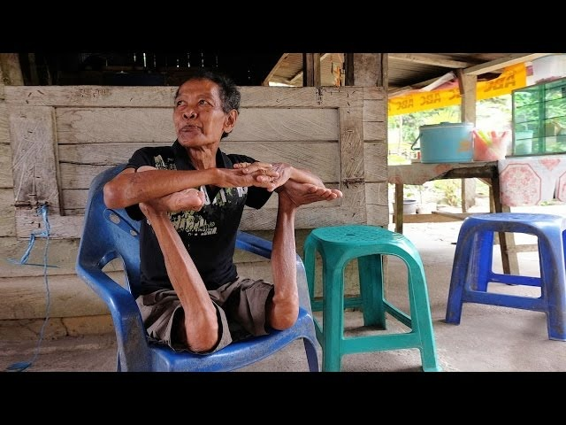 BendyMan: Meet Indonesia's Contortionist Grandfather