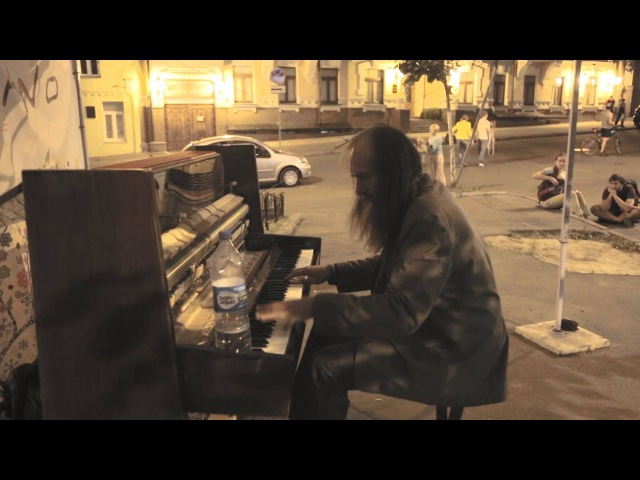 Amazing Street musician! This is not often see! | Такое увидишь не часто! Это потрясающе!