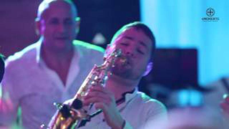 4moments Шоу саксофониста на свадьбе