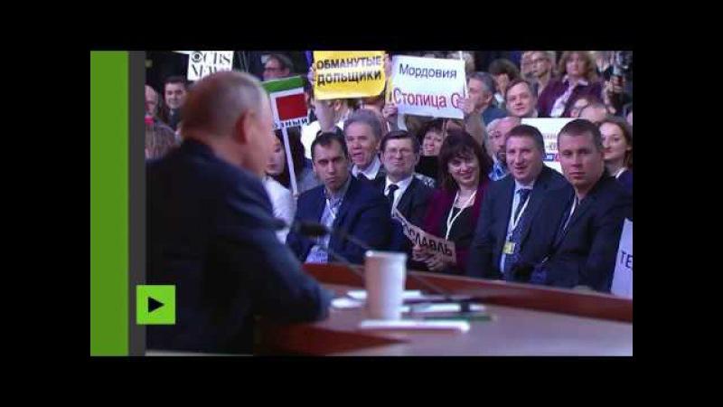 Interrogé sur la course à l'armement, Vladimir Poutine répond par une blague