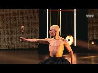 Танцы: Dima Bonchinche (Talvin Singh - Traveller) (сезон 4, серия 21) из сериала Танцы смотреть бесплат...