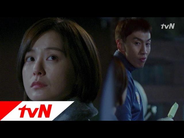 """Ли Кван Су и Чон Ю Ми демонстрируют разные стороны полицейской жизни в новом тизере драмы Живого"""""""