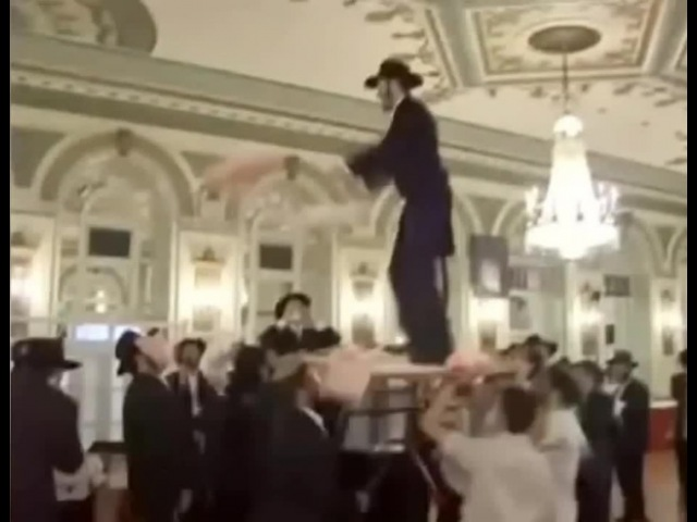 Jews On The Dance Floor (Евреи на танцполе