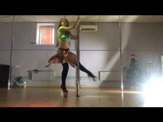 Exotic pole dance. improvisation/ Olga Nizyamova