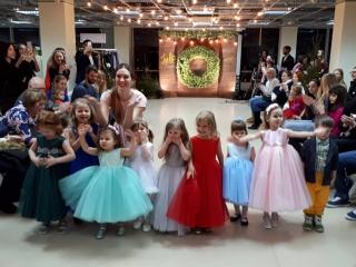 Новогодняя СКАЗКА.Детская модельная академия