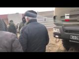 Зеленые человечки отжимают у ватных крымчан недвижимость.