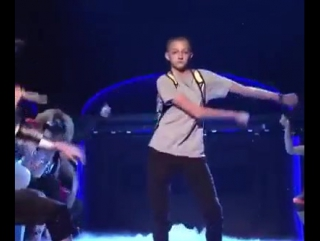 Backpack kid dance from snl (online-video-cutter.com)