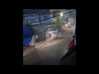 Дождевой паводок в муниципалитете Уэуэтенанго (Гватемала, 11.09.2017)