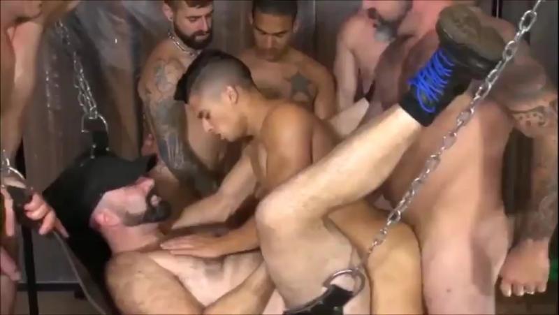 В оргии семинарии порно гей