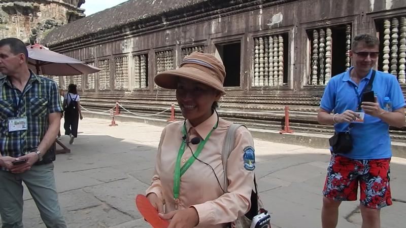 наш камбоджийскийКолокольчик- гид Виссет.