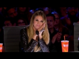 Фанатка Селин Дион поражает толпу песней My Heart Will Go On на шоу (6 sec)