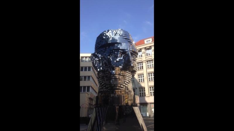 Движущаяся голова Франца Кафки