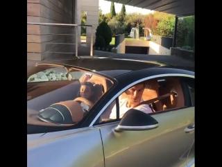 Роналду показал еще одно супер-приобретение для своего автопарка
