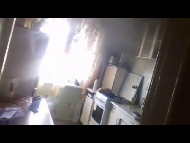 Идиот спалил половину кухни! (с матом, но очень смешно))