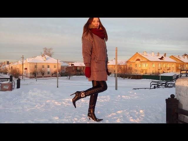 The sunset and Russian girl shows luxury pointed toe high heels Gianmarco Lorenzi boots Size 37