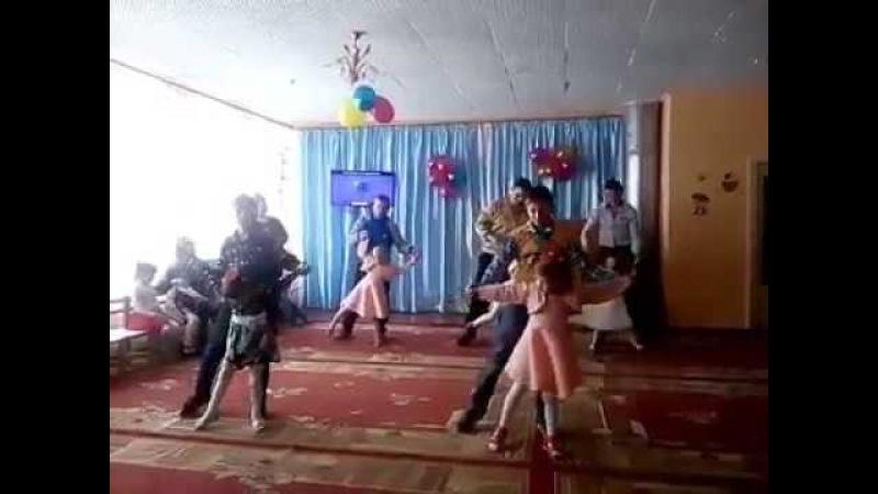 Танець татусів і донечок ☼ Музичний керівник Галушко Я.А.