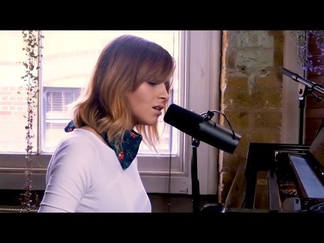 Gabrielle Aplin - Stay (Live piano version)