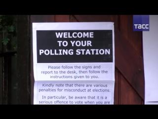В Великобритании начались досрочные парламентские выборы