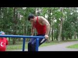 Упражнение на брусьях для грудных