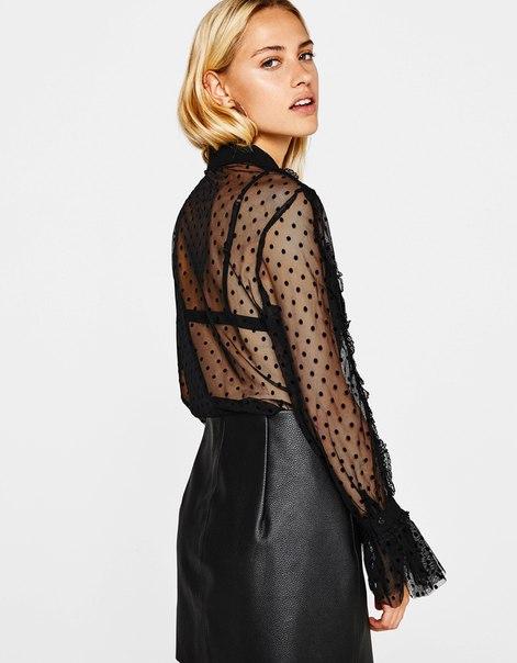 Блуза из прозрачной ткани с кружевом