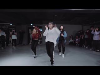 Девчонки круто станцевали под песню Halsey - Bad At Love - Yoojung Lee Choreography