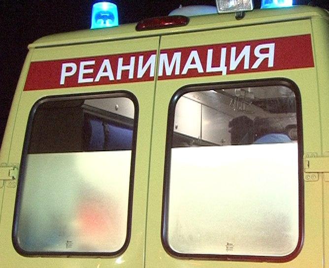 Женщина около 40 лет упала без сознания на улице, прохожие ходили мимо, пока бабуля не крикнула, что она мертва