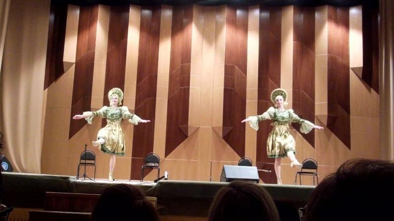 Танцуют Белла и Любанна Яндиевы