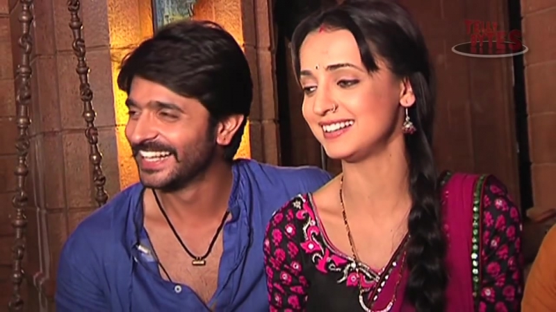 Paro and Rudra in trouble-From the Sets of Rangrasiya