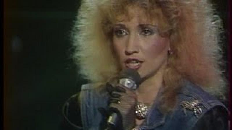 Ирина АЛЛЕГРОВА и группа ЭЛЕКТРОКЛУБ, ТЁМНАЯ ЛОШАДКА, Новогодний огонёк, 1987