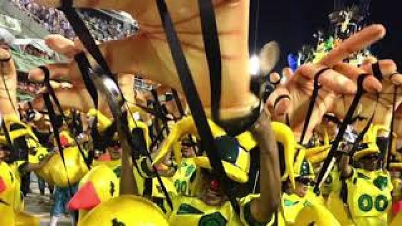 Sociólogo Jessé Souza comenta o desfile histórico da Tuiuti