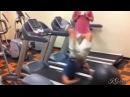 Смешные падения на беговой дорожке Falls on the treadmill
