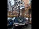 Падение крана на Жилой дом и автомобиль | Киров 19.01.18