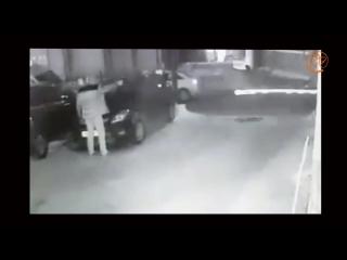 Расстрел двух человек в Петербурге попал на видео