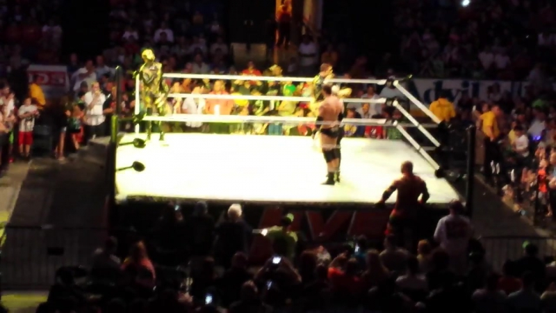 STARDUST AND GOLDUST ENTRANCE WWE LIVE 6 21 2014