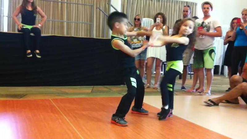 Beberly Devers Kevin Tellez танцуют сальсу