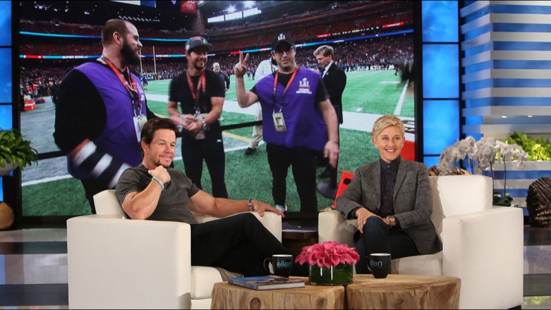 Mark Wahlberg Talks Daddy-Daughter Dances and Coaching Football RUS SUB