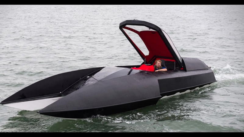 Alpha Centauri Luxury Hydroplane - Chevy V8 Engine, 750 HP, Top Speed 60 Knots (
